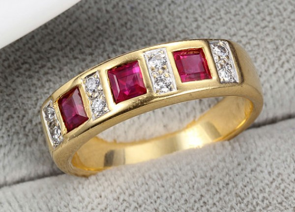 beautiful ruby gemstone ring