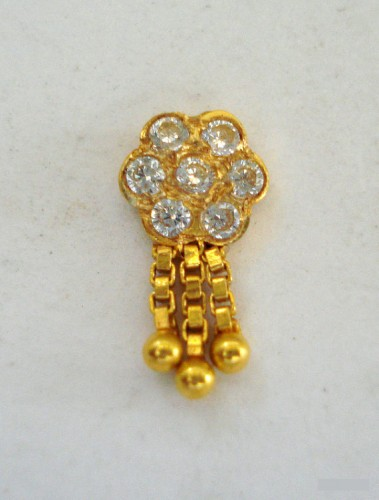 gold nose pin